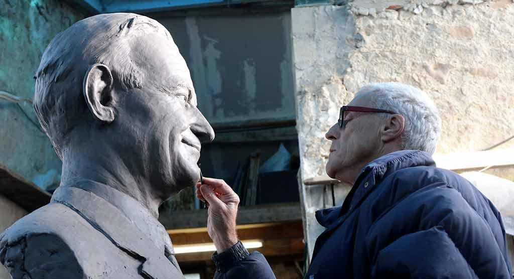 Buste de Robert Galley pour la ville de Troyes.
